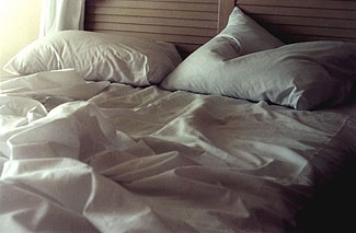 messy-bed1241106109
