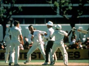 javed-miandad-clashed-with-australia_s-dennis-lillee
